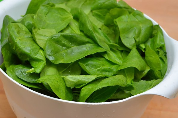 Салат со шпинатом и цукини