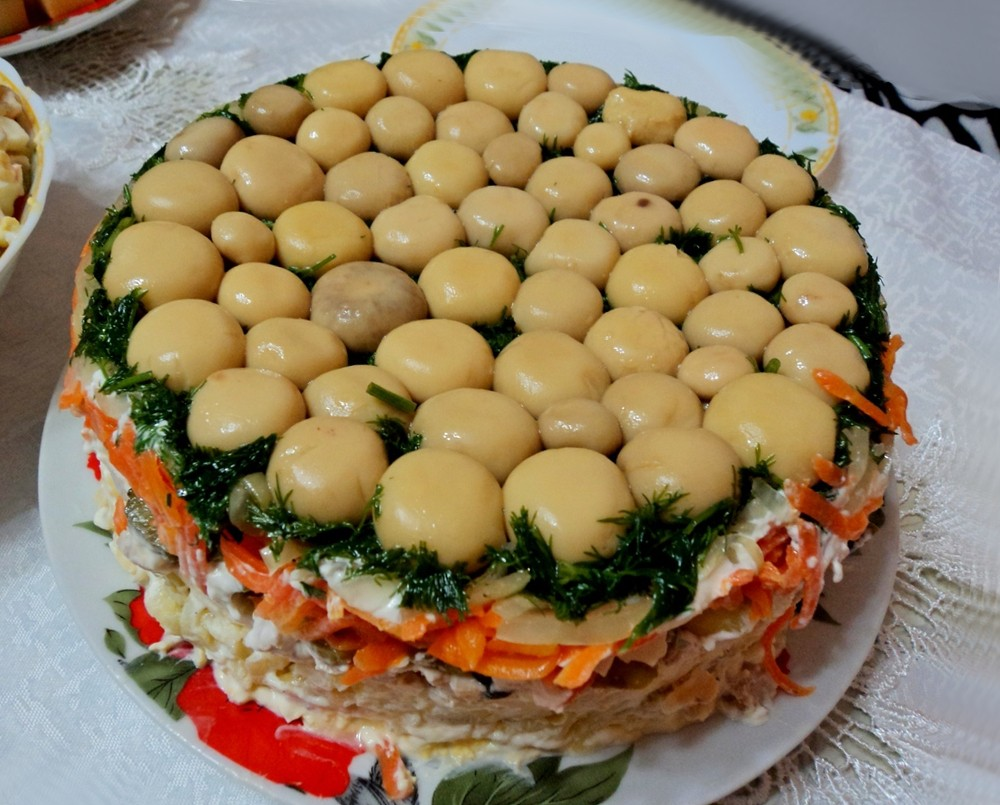 салат поляна с курицей и грибами рецепт с фото