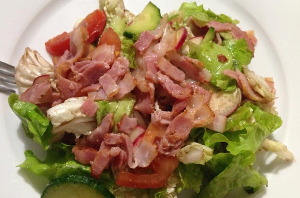 Дачный овощной салат с мясом Овощная грядка
