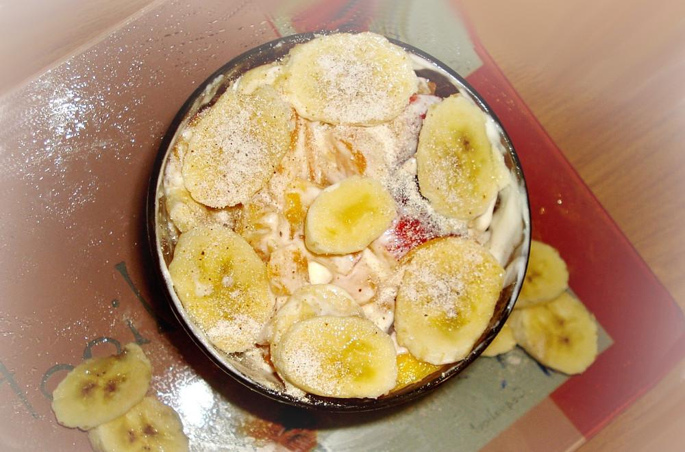 Салат из бананов и мандаринов