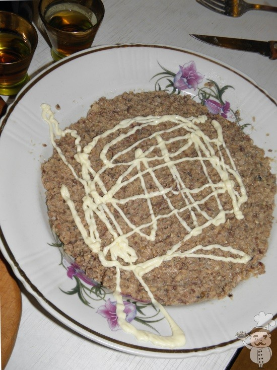 рецепт салата с рыбой и луком