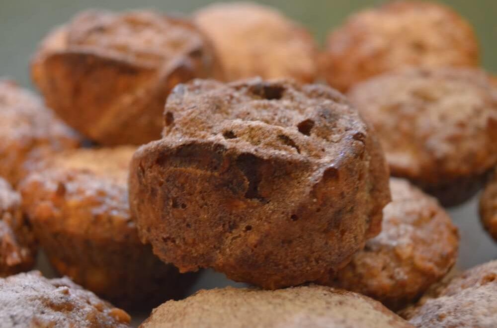 Полезная выпечка. Кексы с тыквой, яблоком и грецкими орехами