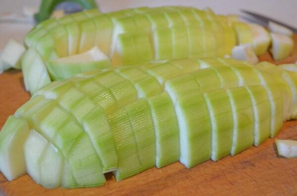 Нарежем кабачок