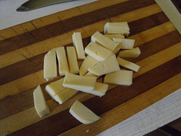 Нарежем сыр брусочками