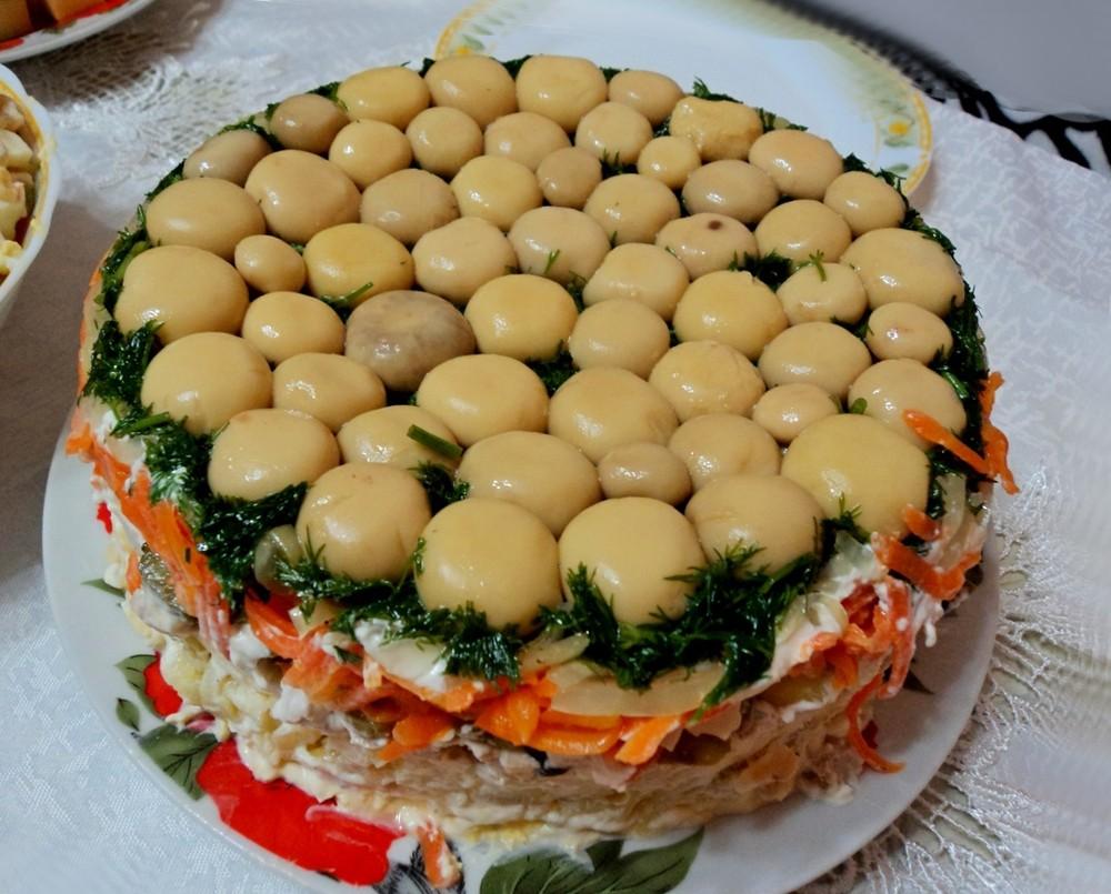 салат с грибами и куриной грудкой рецепт