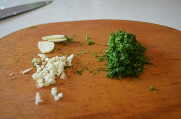 Любимые жареные кабачки с чесноком - рецепт с фото
