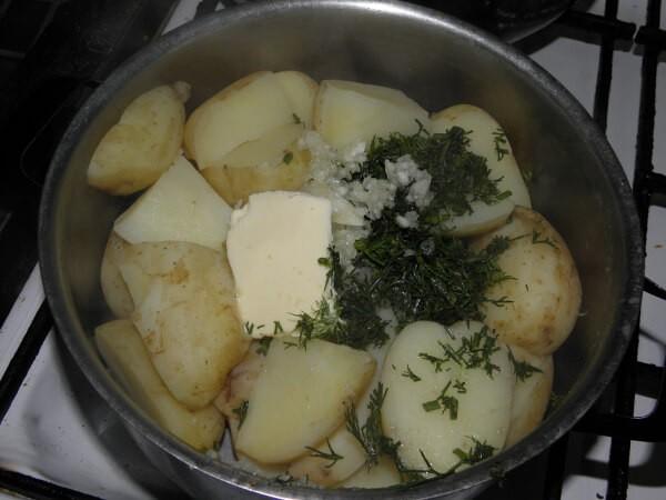 Сочные котлеты с сыром и молодой картошечкой